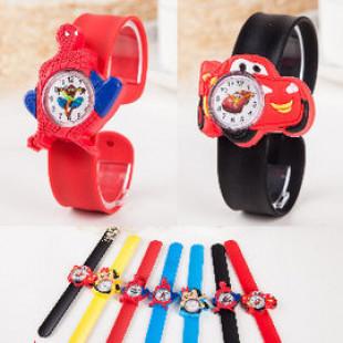 【兒童手錶.百貨用品系列】最適合過小錢小寶貝的啪啪錶,一拍即戴,從小培養時間觀念'~兒童手錶/開學文具/兒童用品
